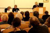 Zleva Marie Zábranová (nakladatelská redaktorka, vdova po Janu Zábranovi), Jan Šulc (editor Zábranových deníků) a Eva Kalivodová (hlavní organizátorka konference)