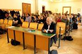 Vpředu zprava Jan Zelenka (redaktor Zábranových překladů), za ním zleva překladatelky Kateřina Vinšová a Anežka Charvátová, překladatel Viktor Janiš a bohemista Jan Vaněk, jr.